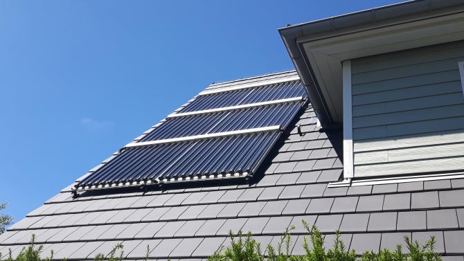 Solarthermie-Anlage auf dem Dach